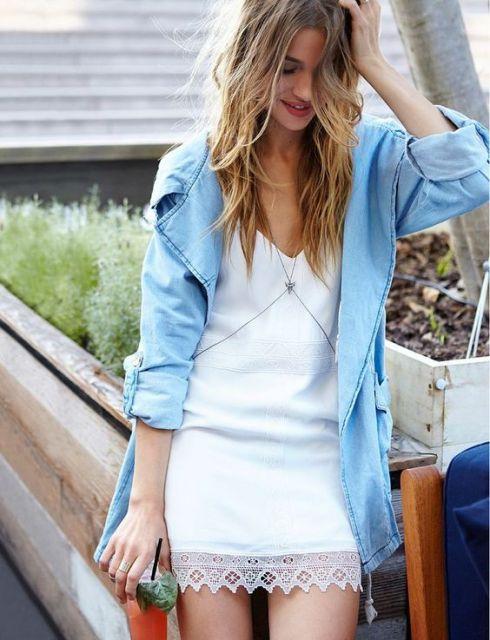look vestido com camisa jeans