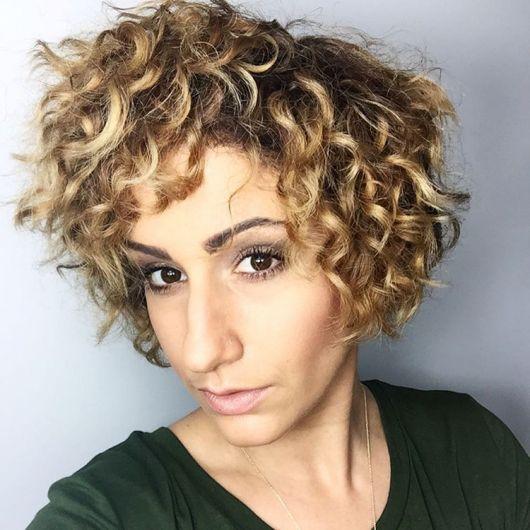 cabelo-ondulado-curto-dics