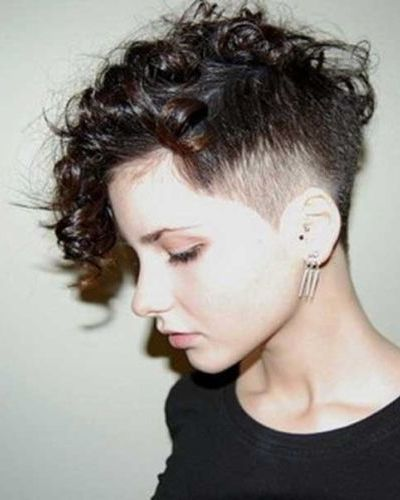 cabelo-ondulado-curto-raspado