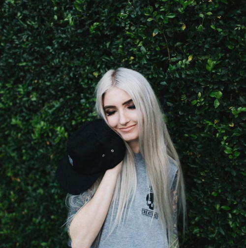 cabelo platinado em morenas loiro