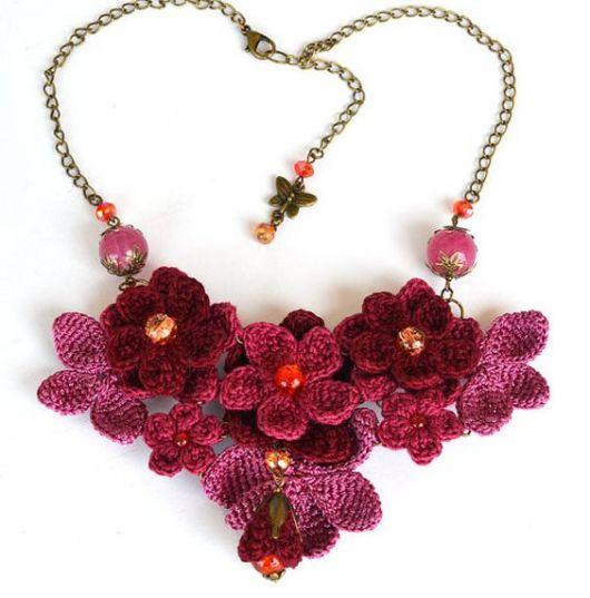 maxi colar de flores