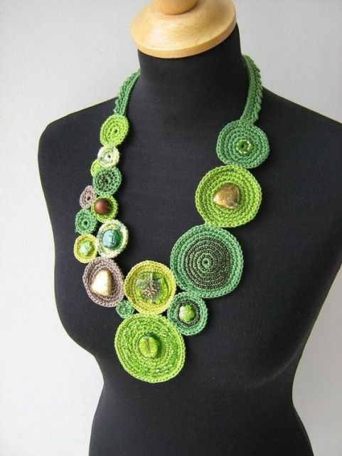 colar verde