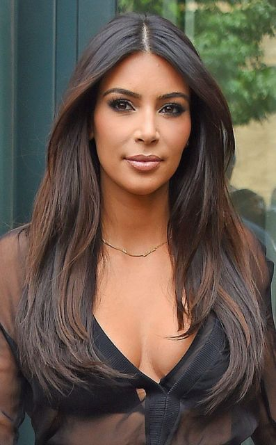 cor cabelo Kim Kardashian