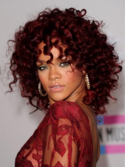 cabelo cacheado vermelho