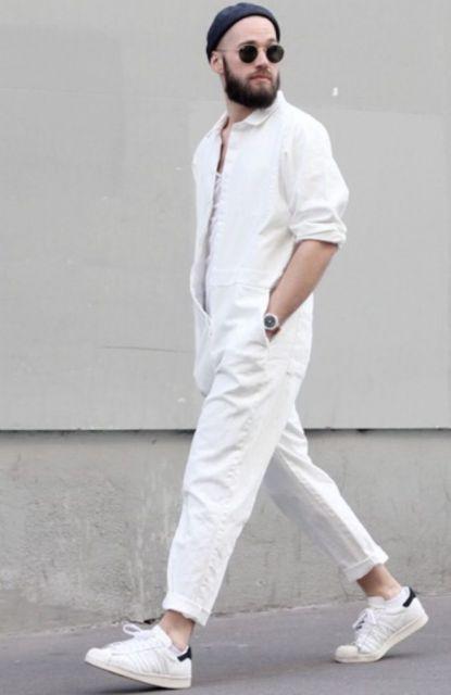 looks-com-tenis-branco-masculino-jardineira-2