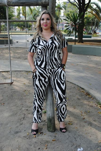macacao-plus-size-de-zebra