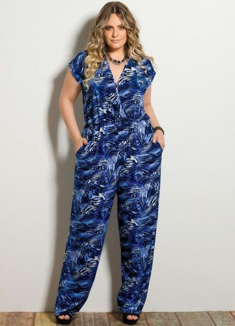 macacao-plus-size-estampa-azul