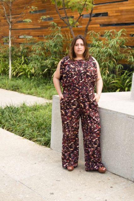 macacao-plus-size-pantalona-estampado