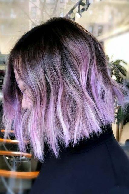 cabelo curto lilás