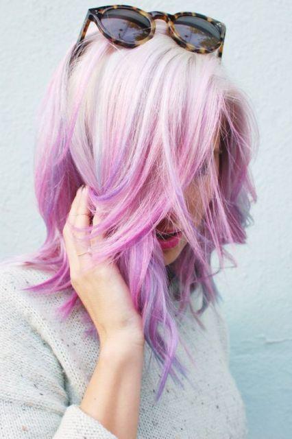 cabelo platinado colorido