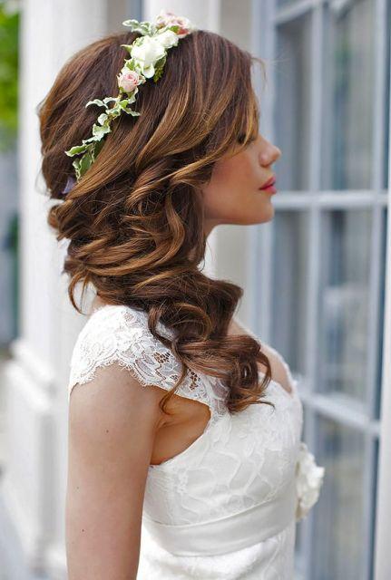 penteado com coroa para noivas