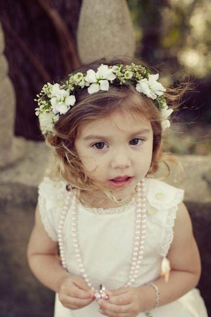 coroa de flores criança