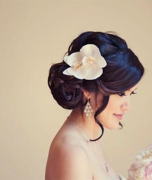penteado com orquídea