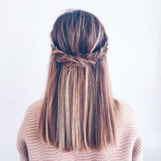 cabelo liso com trança espinha de peixe