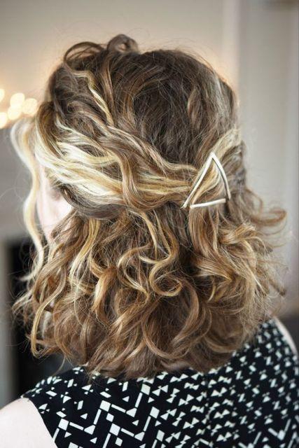 cabelo com grampos