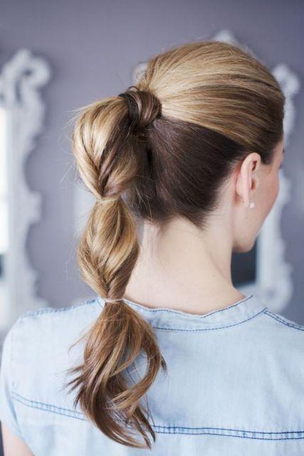 cabelo preso rabo de cavalo
