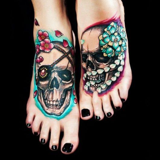 tatuagem de caveira mexicana no pé