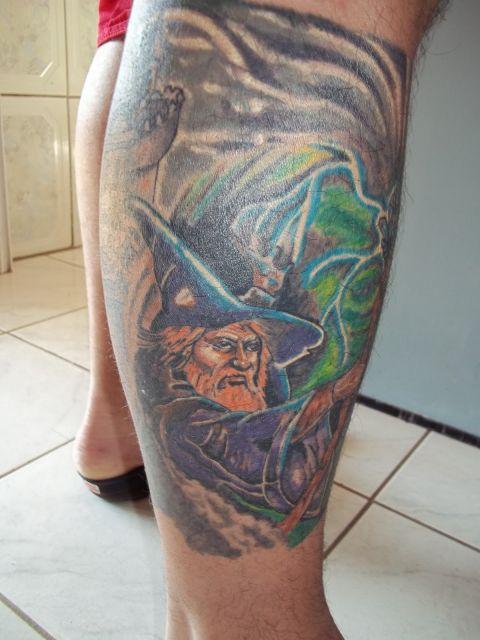 tatuagem-de-magos-na-perna-8