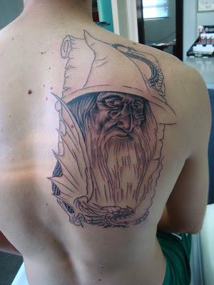 tatuagem-de-magos-nas-costas-1