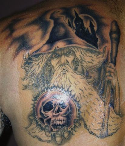 tatuagem-de-magos-nas-costas-3