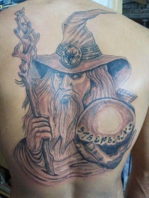 tatuagem-de-magos-nas-costas-5