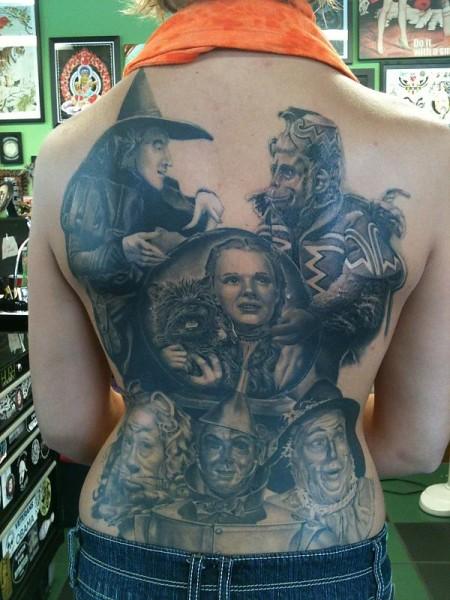 tatuagem-de-magos-nas-costas-6