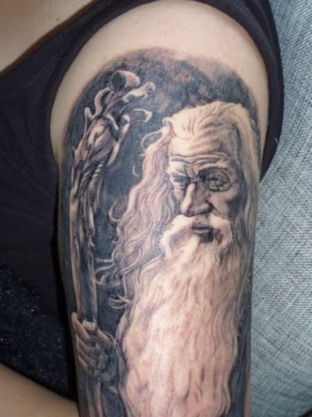 tatuagem-de-magos-no-braco-7