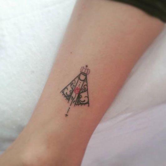 tatuagem-de-terco-feminina-e-delicada-4