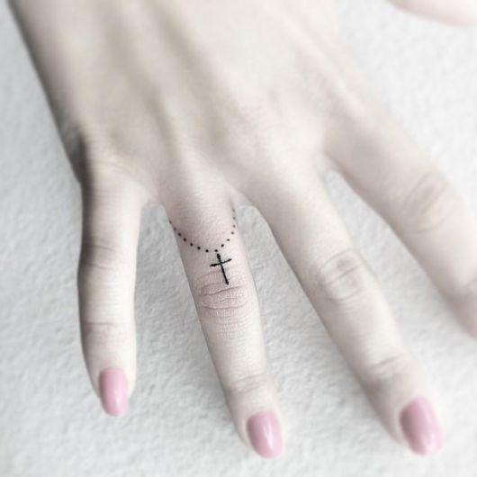 tatuagem-de-terco-no-dedo