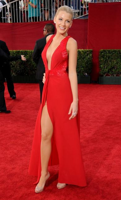 vestido vermelho com fenda