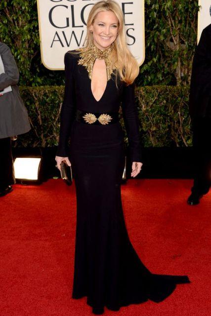 vestido preto e dourado manga longa
