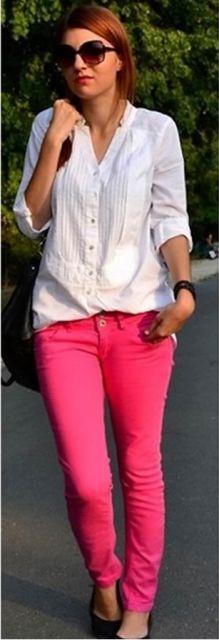 Calça rosa e camisa mais larguinha confortável
