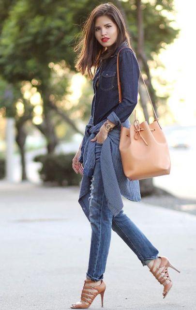 calça jeans com sandália de salto fino