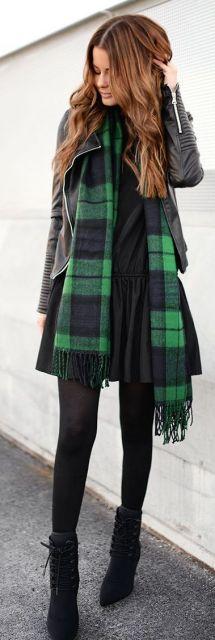 vestido preto com meia calça