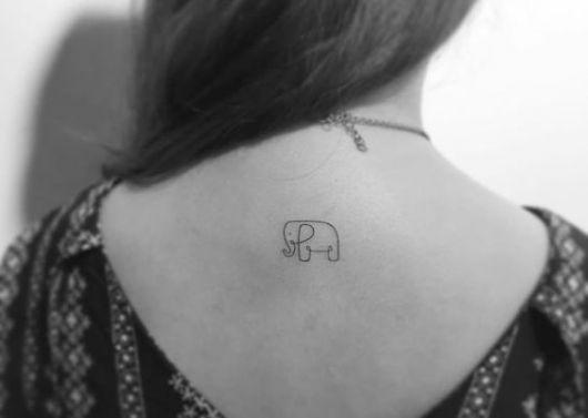 Tatuagem de elefante na nuca