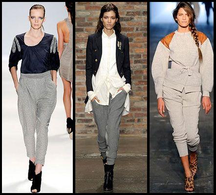 Modelos vestem calça moletom feminina na cor cinza, com sapatos de salto e blusas.