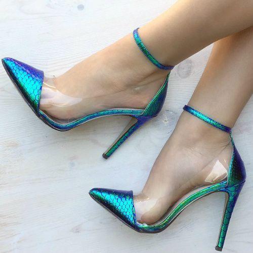 Sapato scarpin azul metalizado.