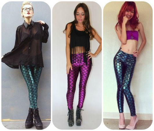 Modelos vestem calças estampadas metalizadas nos tons de verde, roxo e azul.