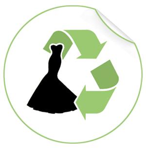 Logotipo de reciclagem de roupas, com duas setas verdes.