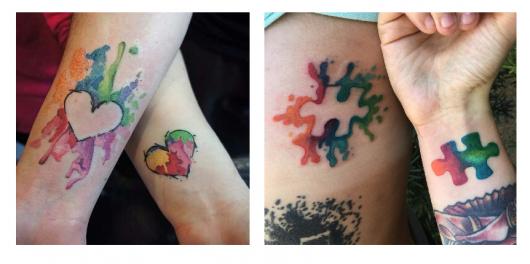 Modelos de tatuagem colorida em verde, amarelo, azul, laranja com formas de coração e parte de quebra-cabeça.