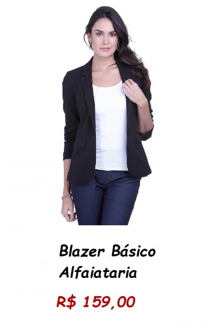 Modelo usa blazer preto em alafaiataria, calça jeans e blusa branca.