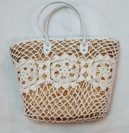 bolsa decorada com crochê