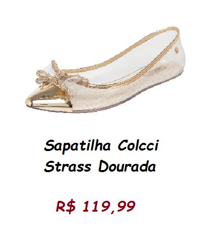 Modelo de sapatilha transparente, com detalhe dourado na ponta com lacinho.