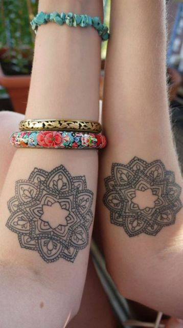 tatuagem feminina amigas