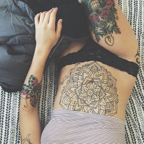 tatuagem barriga