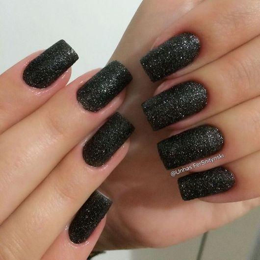 nail art preta