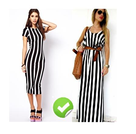 Modelos com vestidos listrados em preto e branco.