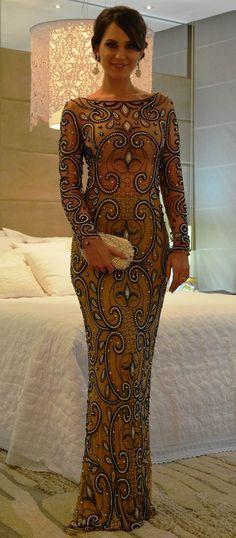 vestido manga longa bordado