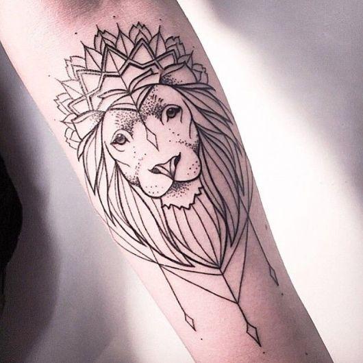 tatuagem de leão mais geométrica