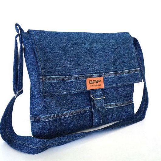 8ae637b44 Outra proposta de bolsa de tecido jeans super linda dessa vez com lavagem  escura.